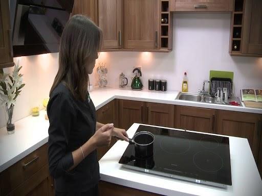 Bếp từ Chefs EH-DIH2000A bổ trợ tối đa cho người nội trợ trong thời kỳ thổi nấu
